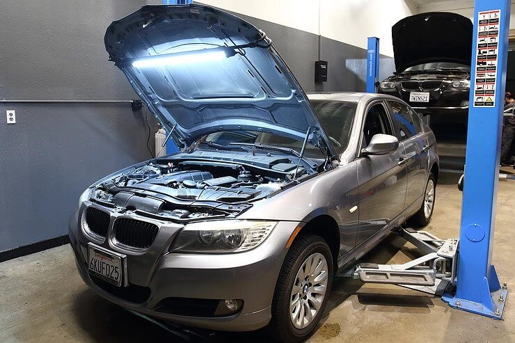 2009 BMW 328i Water Pump Replacement Service